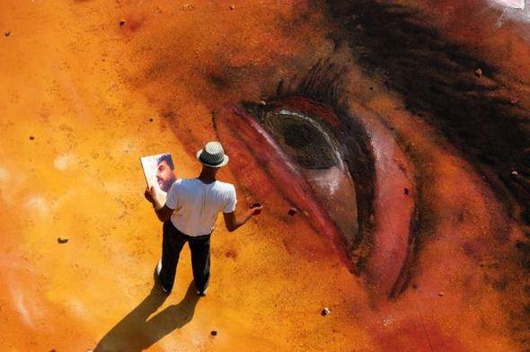 الفن بأى شىء وعلى أى شىء street-art-work-01.j