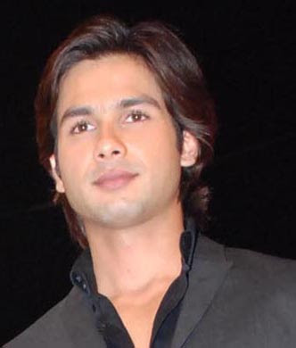 Station Hollywood: Shahid Kapoor is a model vegetarian