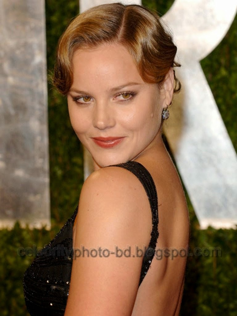 Sexy Australian Actress Abbie Cornish's New Wallpapers and Photos With Short Biography