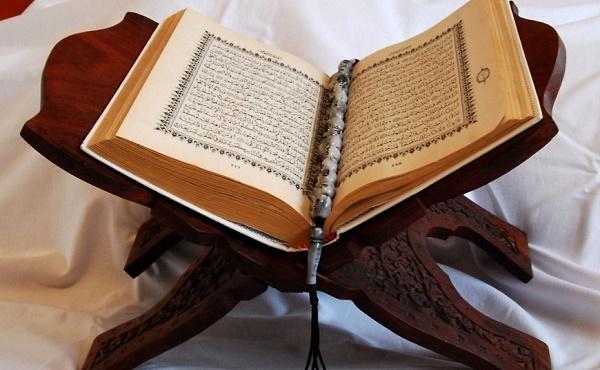 ما حكم قراءة القرآن على جنابة من الهاتف
