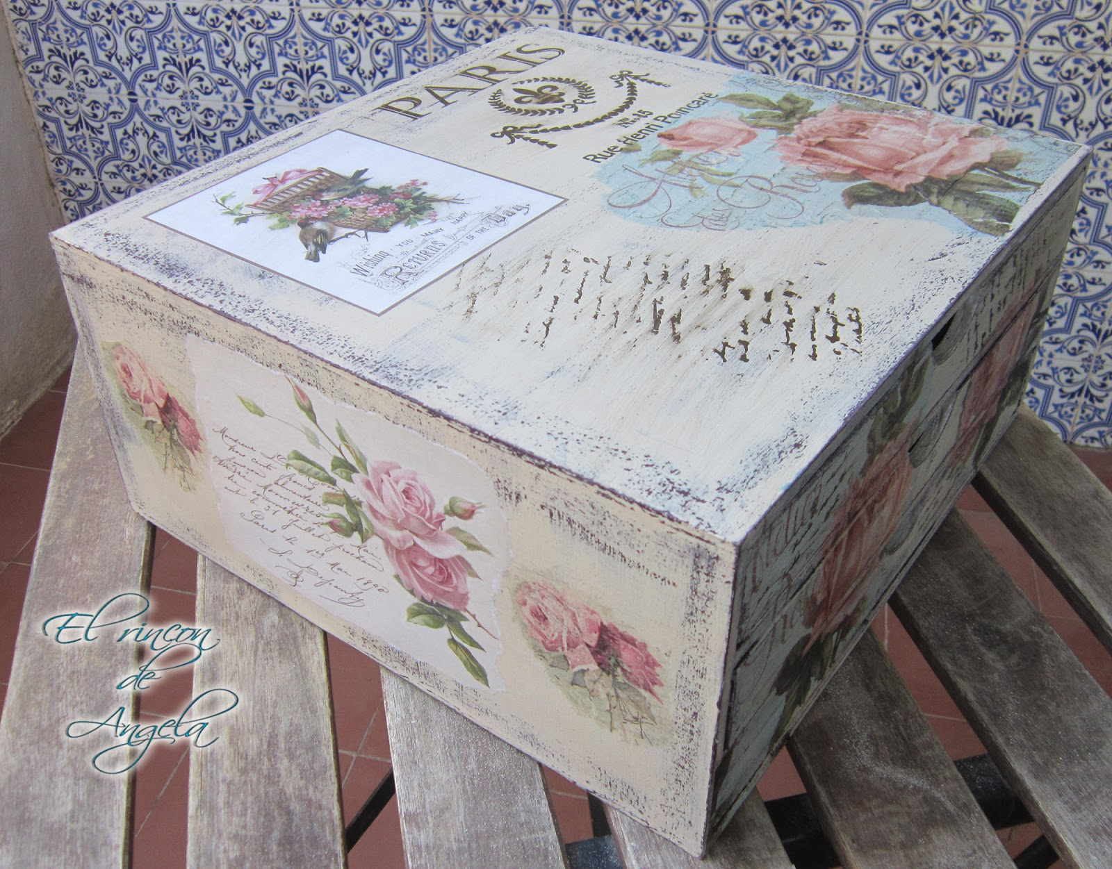El rincon de angela como reciclar un mueble de madera con decapado y decoupage reciclar muebles - Como reciclar muebles ...