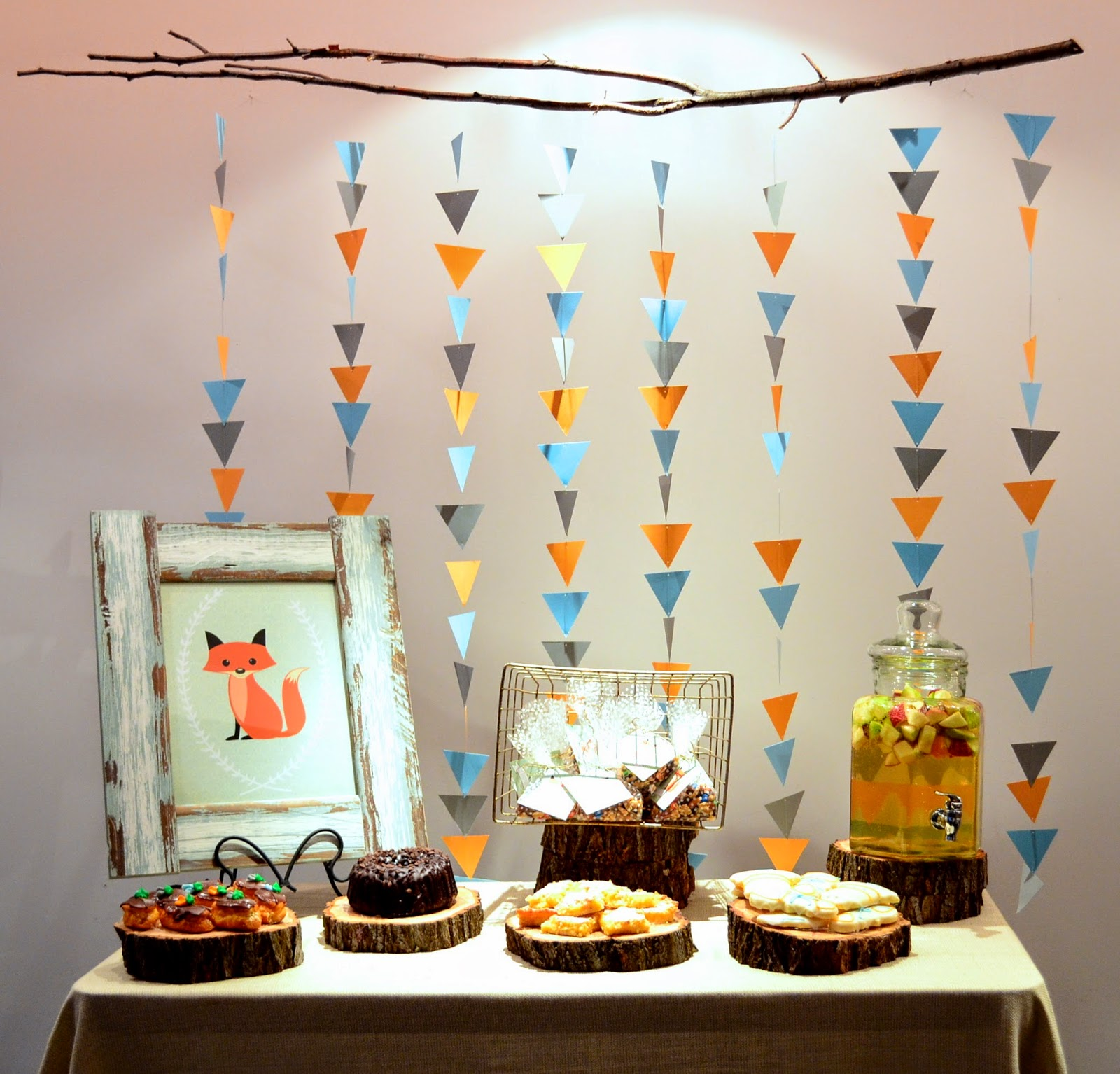 Adorn event styling fox themed baby shower for Baby clothesline decoration baby shower