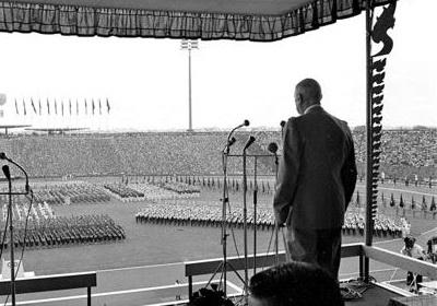 De Gaulle au Cambodge en 1966 durant le fameux discours de Phnom Penh