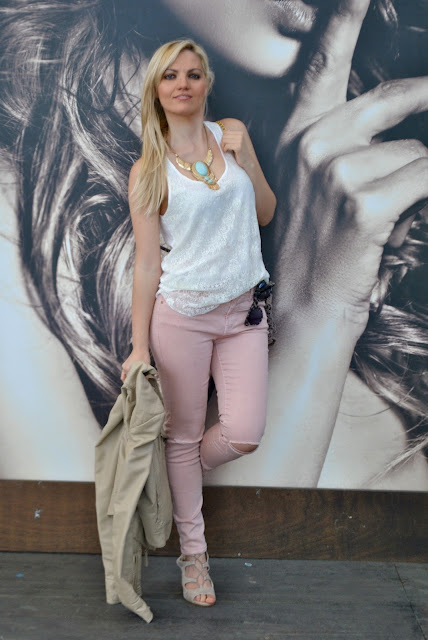 ripped skinny jeans outfit how to wear skinny jeans how to combine ripped skinny jeans how to match ripped skinny jeans mariafelicia magno fashion blogger color block by felym may outfit spring casual outfit color block by felym fashion blogger italiane fashion blog italiani fashion blogger milano blogger italiane blogger italiane di moda blog di moda italiani ragazze bionde blonde hair blondie blonde girl fashion bloggers italy italian fashion bloggers influencer italiane italian influencer