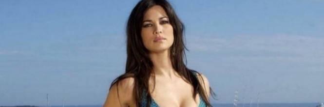Manuela Arcuri, la foto in topless conquista I Fan Su  Instagram