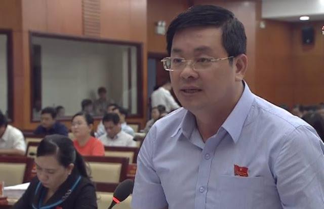 Giám đốc Sở Tài nguyên và Môi trường TP.HCM Nguyễn Toàn Thắng tại kỳ họp