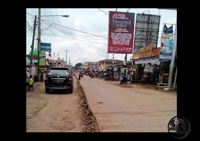 Proyek Mangkrak Jalan Cor Beton Depan Pasar Purwadadi, Subang. Foto dari Kang Fajar Nugraha