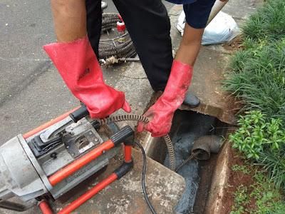 jasa perbaikan saluran air got mampet di pondok aren