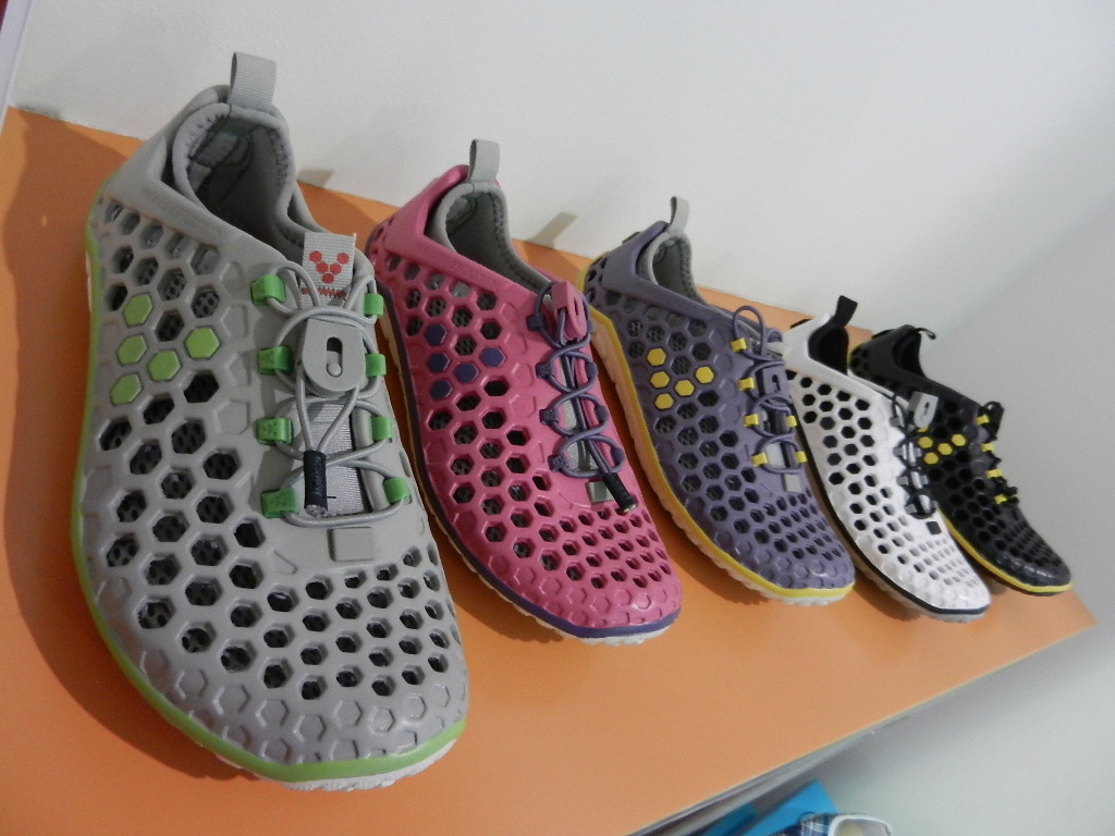 Kuweight 64: ULTRA - THE LIGHTEST RUNNING SHOE IN THE