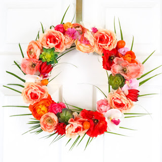 http://www.akailochiclife.com/2016/05/craft-it-tropical-floral-wreath.html