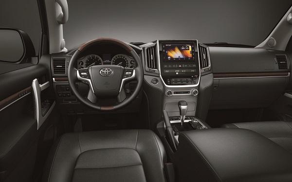 Interior Toyota Land Cruiser 200