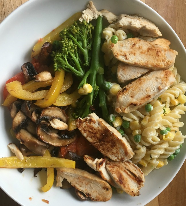 Slimming-World-Creamy-vegetable-Pasta-with-Chicken-mushrooms-and-peppers