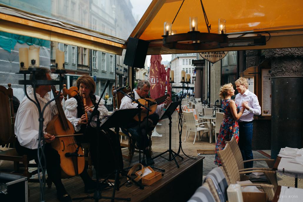 dzīvā mūzika vecrīgas restorānos