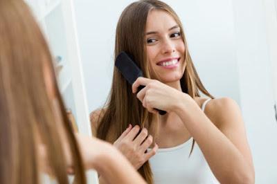 Αλλάξτε τον τρόπο που βουρτσίζετε τα μαλλιά σας!