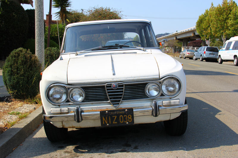 california streets albany street sighting 1965 alfa romeo giulia ti california streets blogger