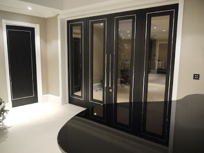 Dark glazed big door set