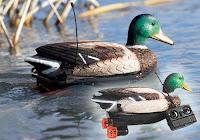 Suda yüzebilen uzaktan kumandalı ördek kuklası ya da mühresi