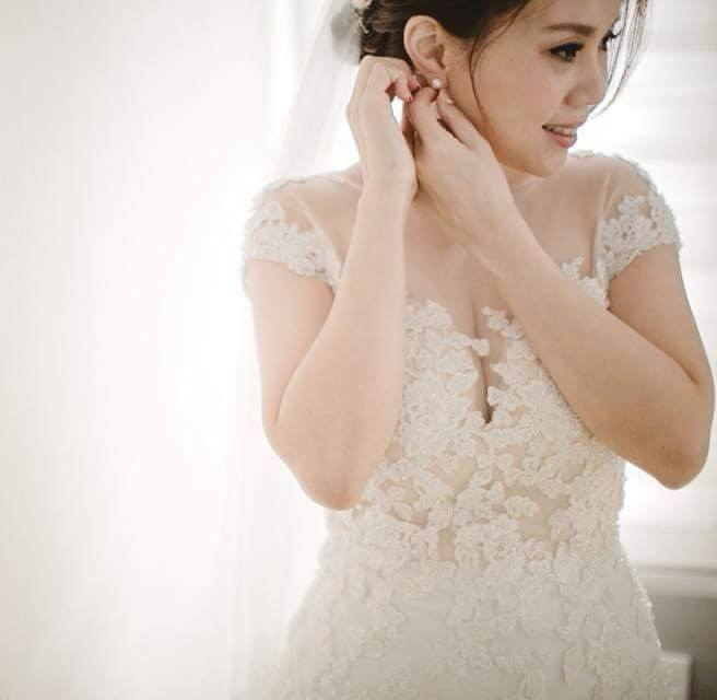 wedding gown lace