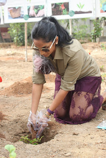 Actress Sriya Reddy Pictures at the Osian chlorophyll's Grow Your Own Oxygen Campaign  0008