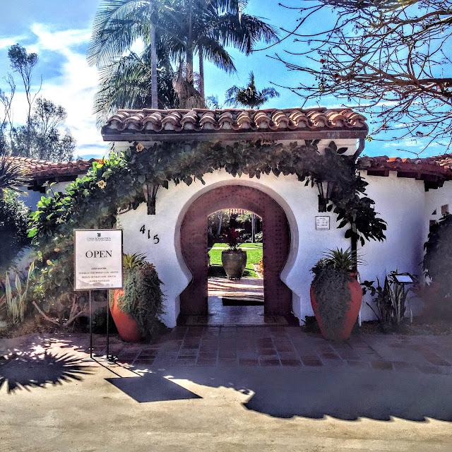 Casa Romantica Entryway 360°
