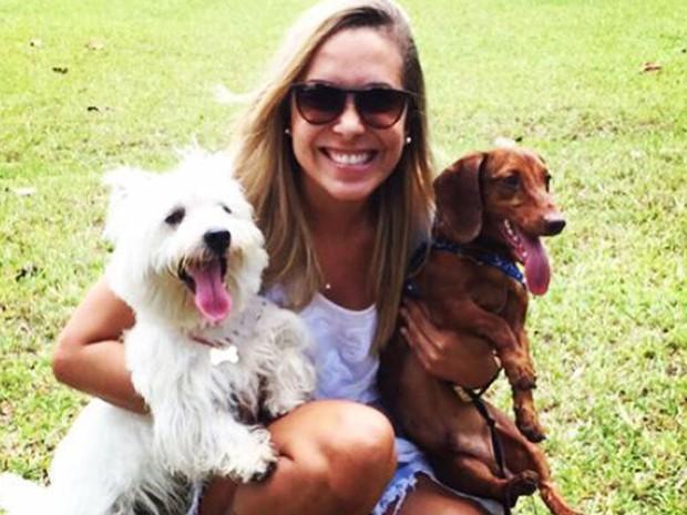 Jovem diz que amor por cachorros ajudou a superar  estado  depressivo/um amor incondicional aos cachorrinhos de estimação...