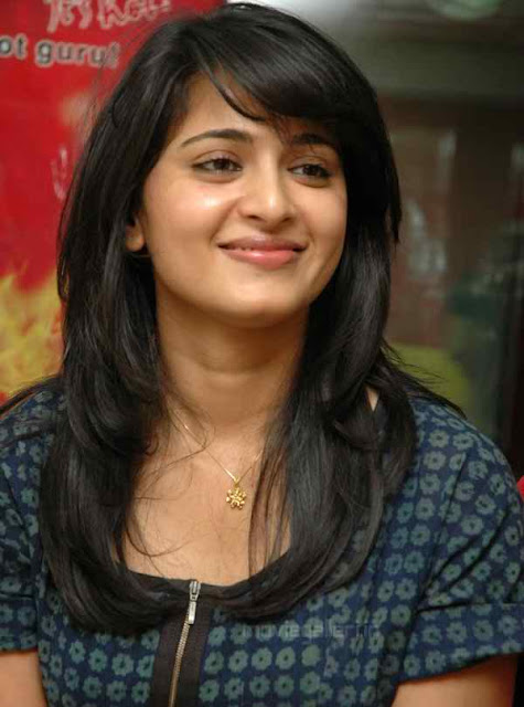 Download Anushka shetty Hot Photos - Hot Images
