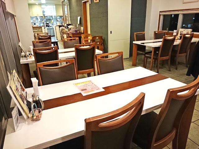 レストラン・ファミリーの店内の写真