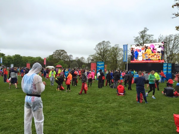 2015 London Marathon red start before race