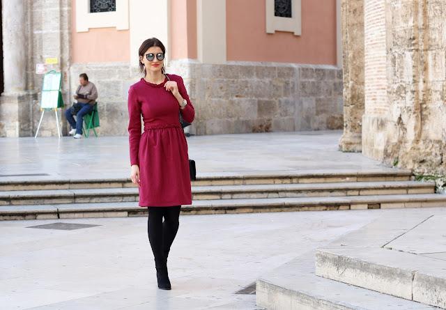 novamoda style, novamoda travels, hiszpania, dzianinowa sukienka, sukienka, zwiedzanie miasta, vicher, Valencia, bordowa sukienka, wełniana sukienka, kobiety, styl życia, blog modowy,