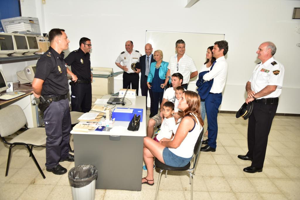 Nueva oficina m vil tramitaci n del dni y pasaporte entra for Oficinas renovacion dni