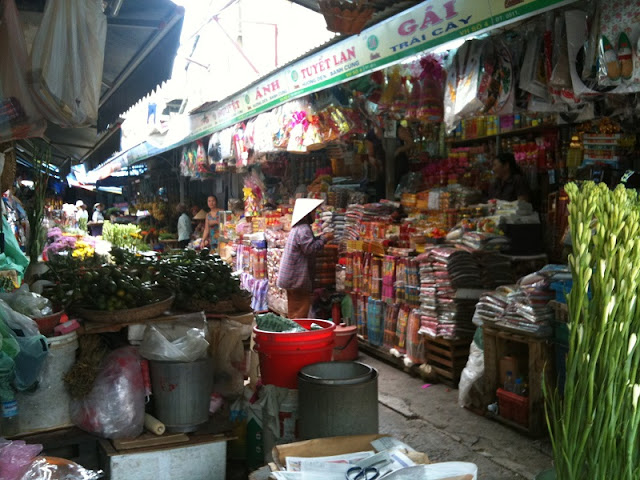 Con Market in Da Nang - A Magnet For Foodies 1