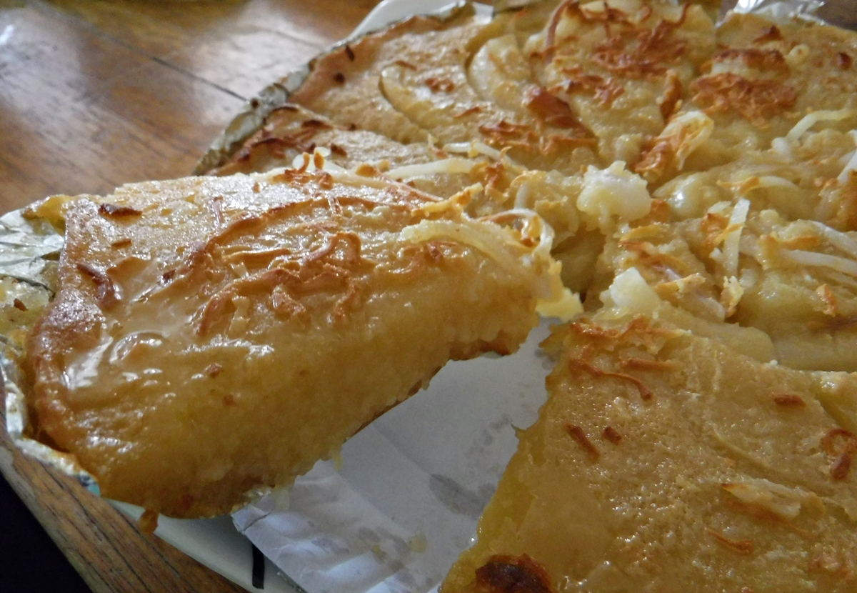Gian's Bakeshop is popular for their cassava cakes and halo-halo