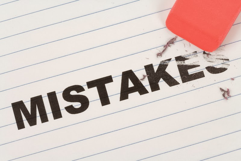 Infographic: 10 Internet Marketing Mistakes, 10 most common mistakes newbies make in the internet marketing.
