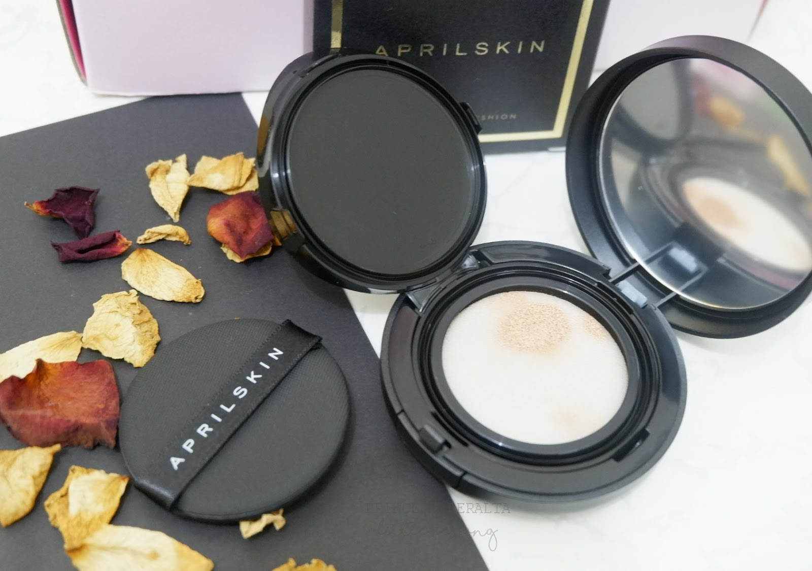 [ ALTHEA HOLIDAY EDITION ] BLACK SPARKLING BOX REVIEW AND TRY ON