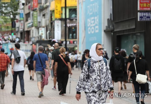 Muslim tourists spotlighted as a new customer to fill in void left by Chinese tourists in Korea