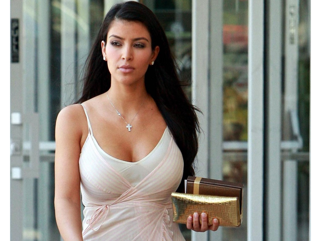 Kim Kardashian HD Wallpapers ~ WALL PC