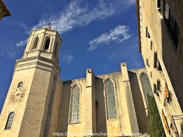 Exterior da Catedral de Santa Maria, Junto ao Museu de Arte, Girona
