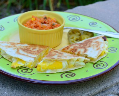 Fried Egg Quesadillas, another easy summer breakfast ♥ KitchenParade.com. Just Three Ingredients. Budget Friendly. High Protein.
