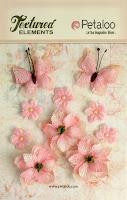 http://www.aubergedesloisirs.com/rose-violet/964-burlap-blossoms-pink-petaloo-fleurs-papillons.html