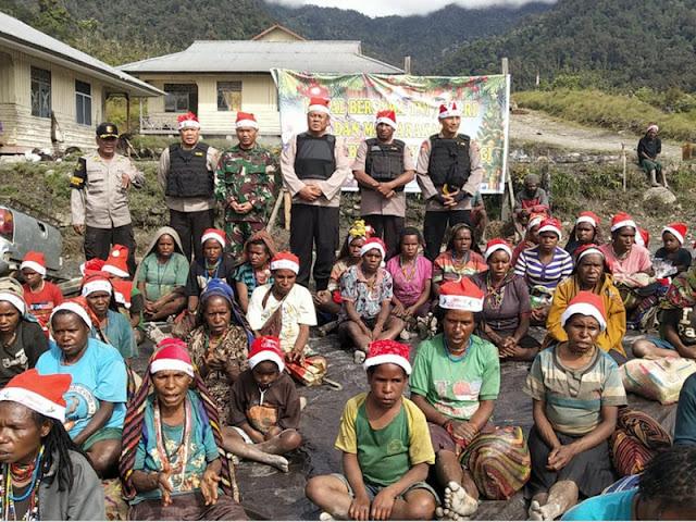 Anggota TNI Polri Rayakan Natal Bersama Masyarakat 4 Distrik di Kabupaten Nduga