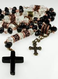Le chapelet de Saleemi avec croix en argent. 2
