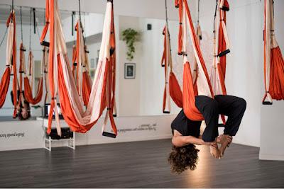 la-vuelta-al-mundo-del-aeroyoga-aeropilates-aerial-yoga-pilates-fitness-ibiza-islas-baleares-balears-mallorca-menorca-sport-tendencias-prensa-belleza-bienestar-ejercicio-moda-deporte-TV-prensa-monica-costa-rafael-martinez-formacion-profesores-wellnes
