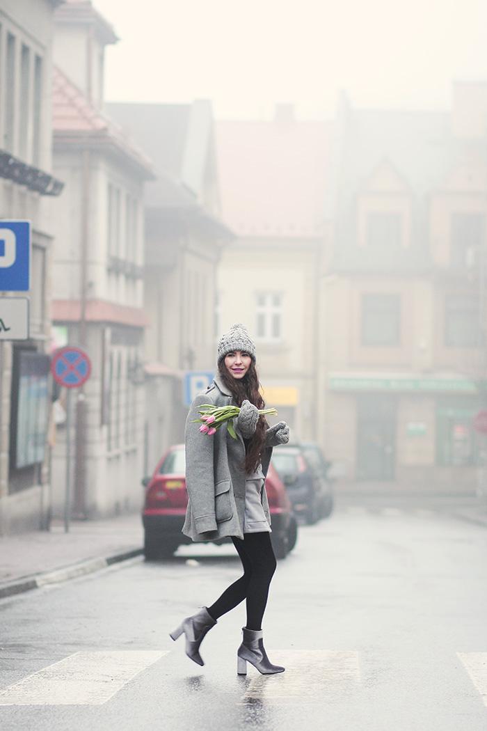 grey coat, gray skirt, gray hat, gloves, tulips, newchic. zara, H&M, velvet boots deezee, bochnia