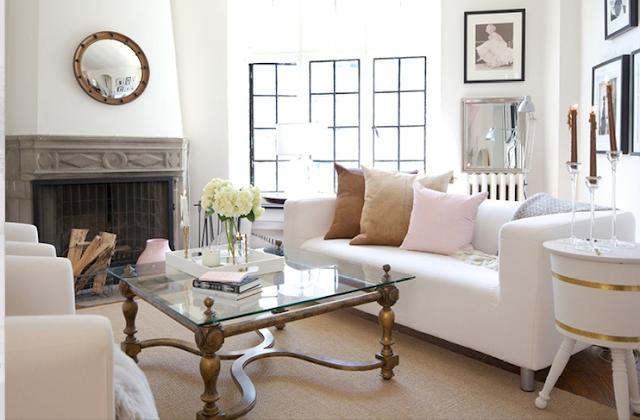 honey we 39 re home a favorite smaller living room. Black Bedroom Furniture Sets. Home Design Ideas