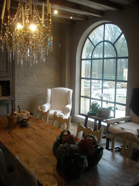 Antiek Amber's showroom as seen on linenandlavender.net - http://www.linenandlavender.net/2013/07/source-sharing-more-to-love-from-antiek.html