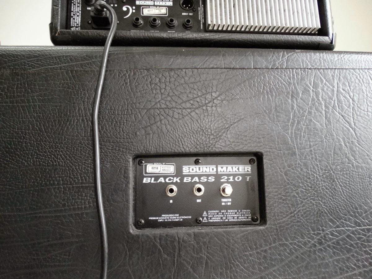 Amplificador de contrabaixo Sound Maker Mod Black Bass 250 (detalhe traseiro)