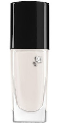 smalto bianco lancôme lunga tenuta tendenza smalto bianco tendenze beauty estate 2016 white nail polish beauty trend beauty tips mariafelicia magno color block by felym fashion blogger italiane blogger italiane migliori smalti bianchi quali smalti bianchi acquistare