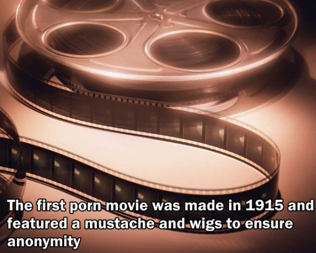 film porno pertama dibuat tahun 1915 dimana pemainnya menggunakan wig dan kumis palsu