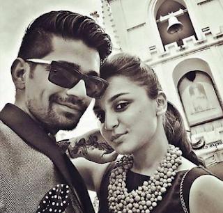 Foto Vishal Singh dengan Jeena Gupta