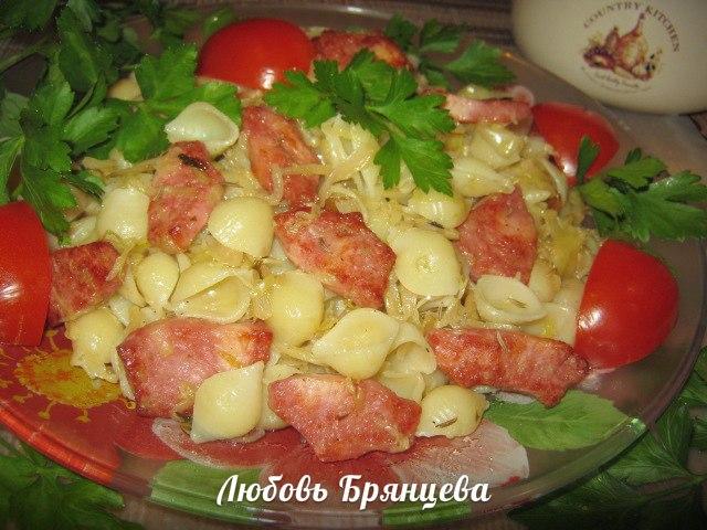 рецепт тушенной капусты с ветчиной и ракушками